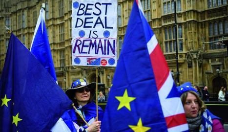 El Brexit manté dividida la societat britànica, amb constants protestes als carrers.
