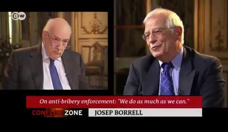 Josep Borrell, poc abans de plantar el periodista.