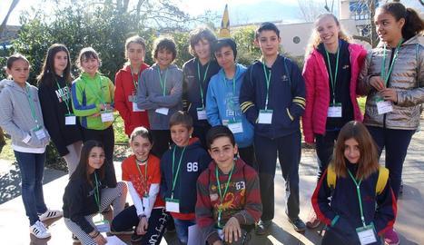 Un grup d'alumnes dels que van participar en la trobada.