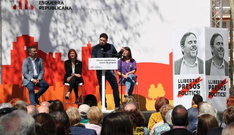 Presentació dels candidats de JxCAT a Barcelona amb, entre d'altres, l'alcaldable lleidatà Toni Postius, i Gabriel Rufián en un acte d'ERC a Vilanova i la Geltrú.