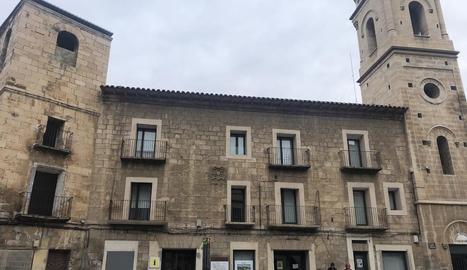 L'edifici veurà millorada tota la façana exterior.