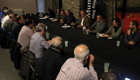 El consell de l'alcaldes, ahir en el consell del Sobirà a Sort.