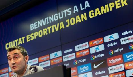 Ernesto Valverde, ahir durant la roda de premsa davant dels mitjans de comunicació.