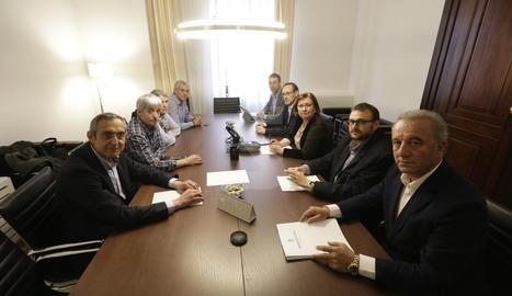 La reunió de la Diputació amb el president del consell del Sobirà i els alcaldes de les Valls d'Àneu.