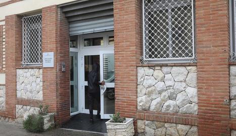 Els detinguts i la víctima convivien al mateix centre.