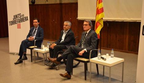 Artur Mas amb Jordi Latorre divendres a Torrefarrera.