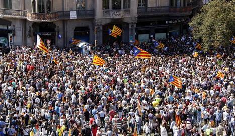 La concentració que va tenir lloc el 20 de setembre del 2017 davant de la conselleria d'Economia a Barcelona