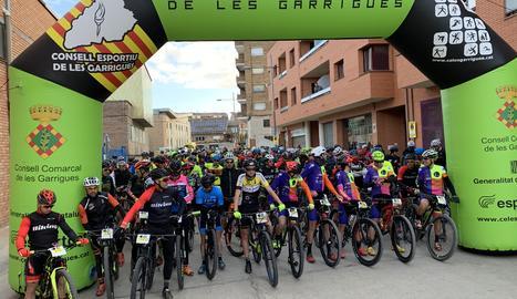Sortida de la marxa BTT Terrall-Garrigues