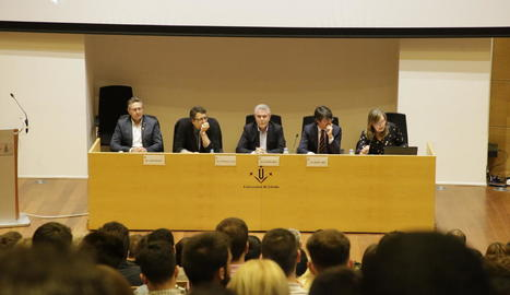 Un moment de la taula redona celebrada ahir a la UdL sobre els efectes del Brexit a Lleida.