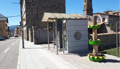 Imatge de l'actual parada de l'autocar de Vilaller.