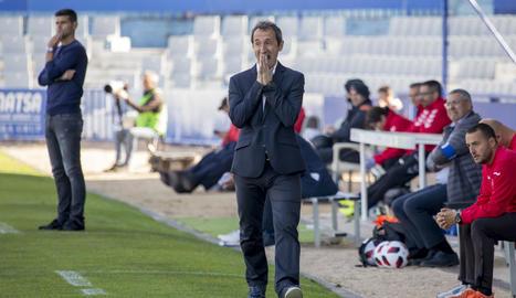 Joan Carles Oliva, amb un expressiu gest, ahir al partit contra el Sabadell.