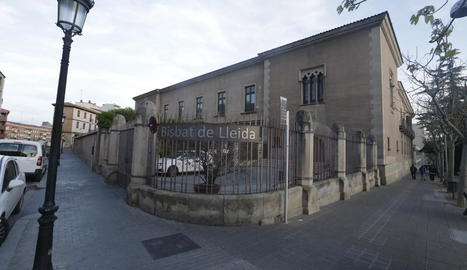 Imatge de l'edifici que acull la seu del bisbat de Lleida.