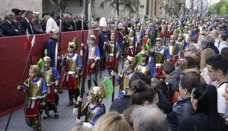 Els Armats de la Sang, ahir, desfilant a la processó dels Dolors de Lleida.