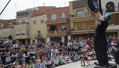 Una de les actuacions al carrer celebrades ahir al matí.