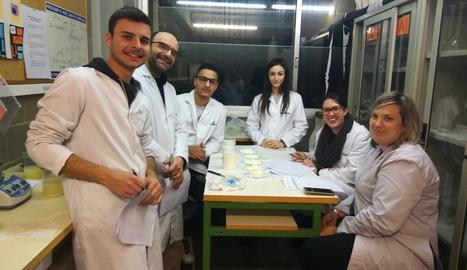 Alumnes en tècnic en processos i qualitat de la indústria alimentària han creat un nou producte.