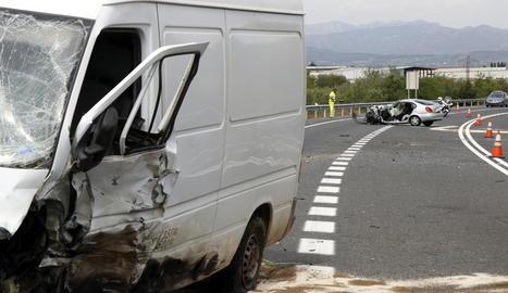 Un mort i dos ferits en un xoc entre dos vehicles a Altafulla