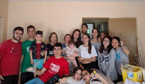 Foto de família dels joves.