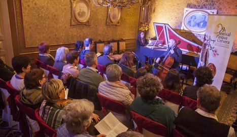 Estrena de '660 anys', producció de Brotons per a Cervera. El concert va aconseguir omplir el paranimf amb més de 300 persones.