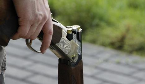 El menor es va disparar amb una escopeta de perdigons.