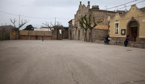 La plaça de la Font, punt central de trobada dels veïns.