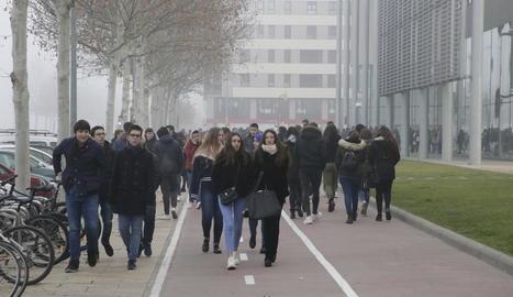 Estudiants al campus de la Universitat de Lleida a Cappont.