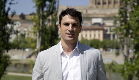 Pérez, a Lleida amb la Seu Vella al fons.
