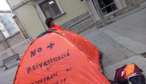 Acampa a la rambla d'Aragó de Lleida per denunciar retallades a Carreteres