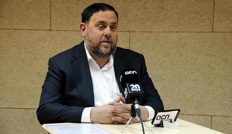 Oriol Junqueras, cap de llista d'ERC el 28-A, a la presó de Soto del Real, divendres passat.