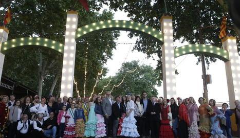 La inauguració de la Feria de Abril de Lleida va comptar amb la participació de l'alcalde i edils.