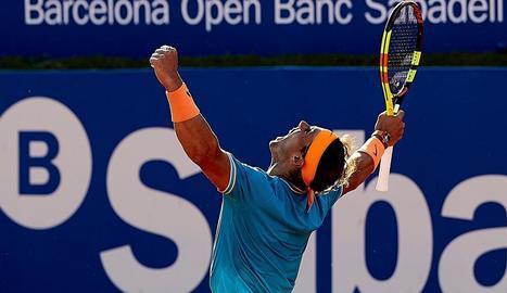 Rafa Nadal celebra al pas a semifinals, ahir al Godó.