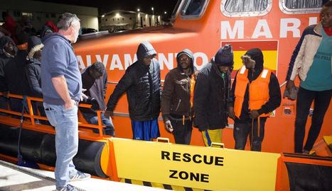 Salvament Marítim va rescatar els 42 homes.
