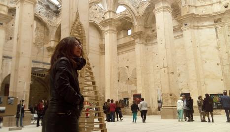 Júlia Porta, en la exposición de la sexta edición de la biennal d'Art Corbera d'Ebre.