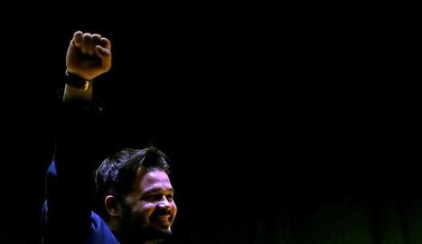 El candidat d'ERC al Congres Gabriel Rufián celebra la victòria.