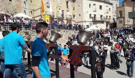 El toc especial de campanes per la democràcia i la llibertat davant del públic que va assistir a la Trobada de Campaners.