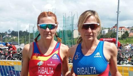 Núria i Eva Ribalta van participar en la prova de duatló del Campionat del Món de Pontevedra.