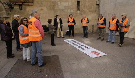 Concentració de la Marea Pensionista de Lleida ahir.