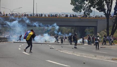 Guaidó i Maduro van instar els seus simpatitzants a omplir els carrers per mesurar les seues forces a Veneçuela.