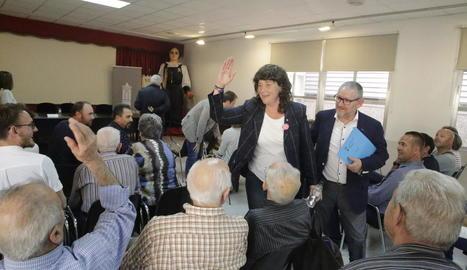 La consellera Teresa Jordà saluda els assistents de la jornada tècnica.