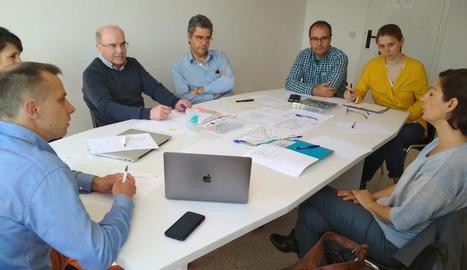 Un moment de la reunió a la Seu entre membres de la ICF i el Comitè Organitzador.