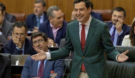 Juanma Moreno, amb el seu vicepresident Juan Marín, ahir.