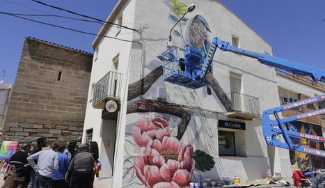 Un dels nous murals que lluirà Penelles gràcies al festival GarGar, en el qual participen 24 artistes locals i internacionals.