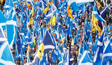 Escòcia es va omplir ahir de banderes per reclamar una nova consulta sobre la independència.