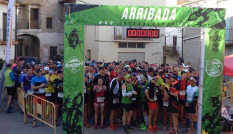 Els participants de la Trail Montpedró, en els moments previs a la disputa de la cursa.