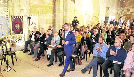 El conseller de Treball, Chakir el Homrani, va llegir ahir el pregó de la Festa de Moros i Cristians de Lleida.