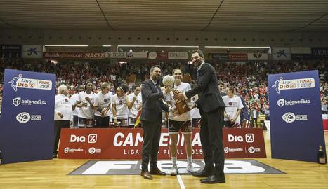 L'Uni Girona suma la segona Lliga contra el Perfumerías Avenida
