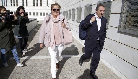 La cap d'Organització de la Diputació de Lleida, Marlen Minguell, arriba aquest dilluns als jutjats.