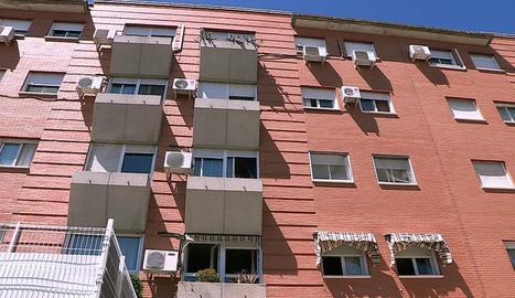 Imatge del bloc de pisos en el qual va ser assassinada Juana.