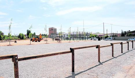 La nova zona d'autocaravanes, al parc del Canal.