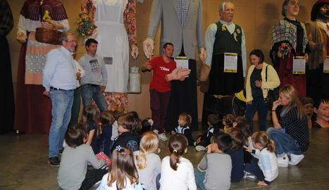 Els alumnes del municipi van visitar ahir la mostra.