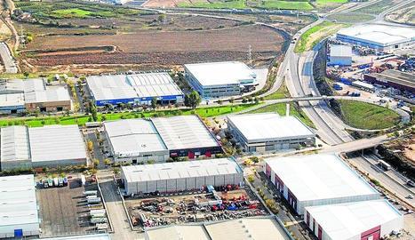 Vista aèria del polígon Camí dels Frares de Lleida, enclavament ple de petites i mitjanes empreses.
